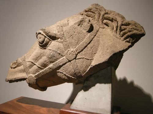 007玄武岩の馬の頭部b.JPG