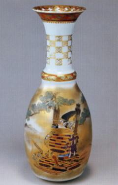 02新羅三郎図花瓶.jpg